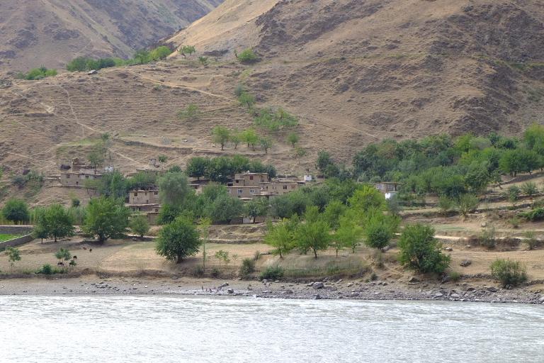 We reden ruim 500 km langs de Afghaanse grens