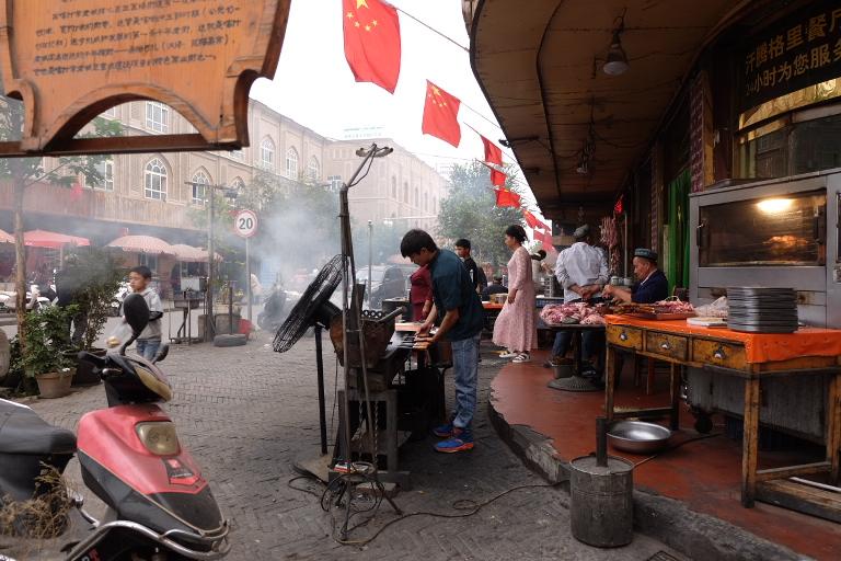 In Kashgar is nog volop (Centraal Aziatische) kebab te krijgen