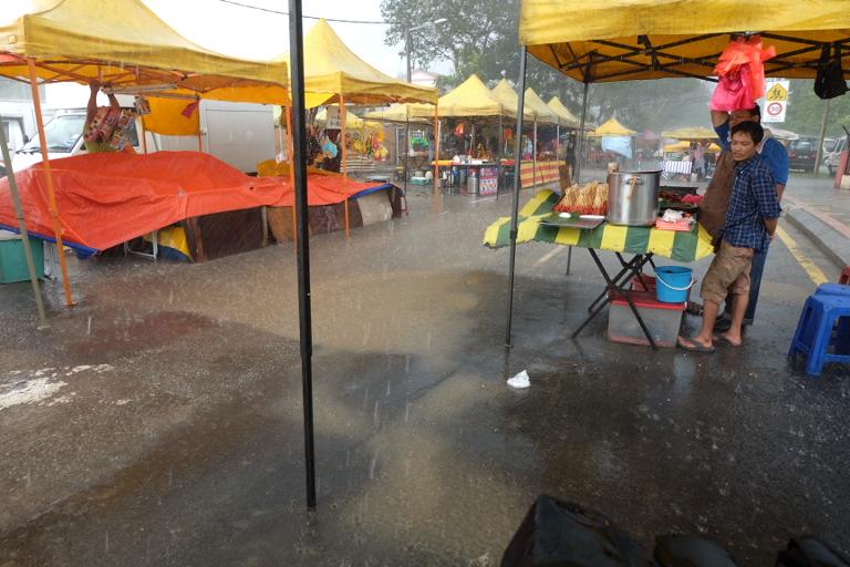 In het zuiden van Maleisië hadden we 's middags regelmatig een korte plensbui