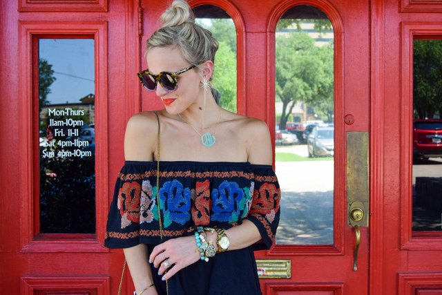 vandi-fair-blog-lauren-vandiver-dallas-texas-fashion-blogger-free-people-to-the-left-embroidered-off-the-shoulder-top-vigoss-tomboy-thompson-destroyed-skinny-jeans-6