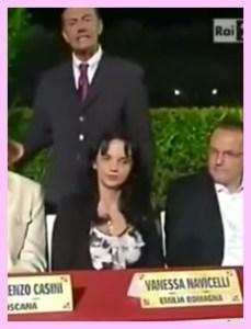 """Serata su Rai Due, Premio """"La Giara"""", presenta Michele Cucuzza (pessima risoluzione foto, lo so, lo so)"""