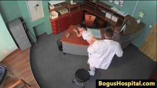Doutor fodendo paciente flagra câmera de segurança