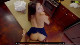 Comendo a prima safada na cozinha