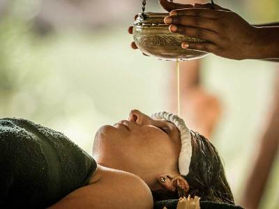 Having Your Fortune Told By The Pluse Of Your Arm! The Magic Of Ayurveda