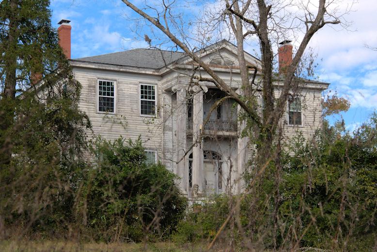98  Milledgeville Georgia  263 W Lakeview Dr Ne