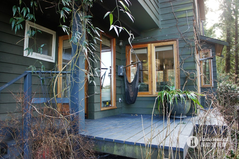 Bowen Island - Island Thyme Studio