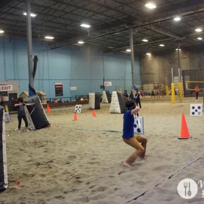 [溫哥華好玩的] 熱血真人版飢餓遊戲之沙灘射箭大對決 Archery Tag at 6Pack Indoor Beach