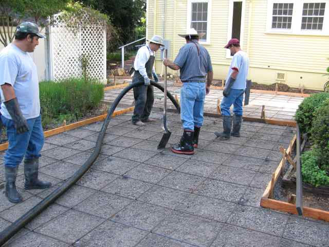 Lot Plot Terrasse Concrete Contractor » Concrete Pouring