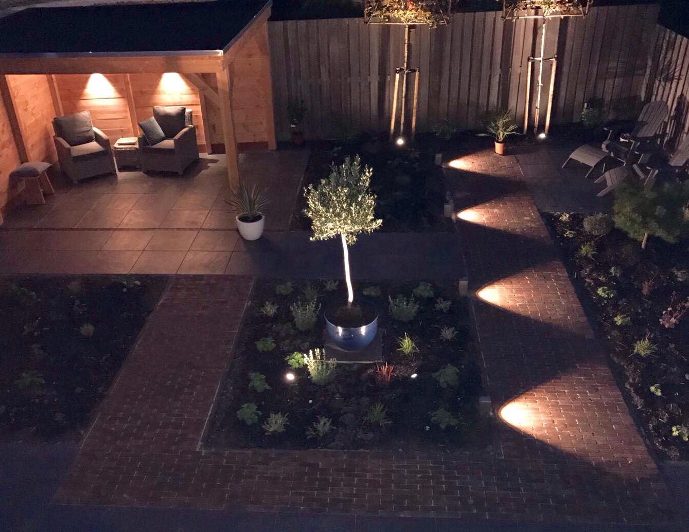 Solar Lampen Tuin : Lampen voor buitenverlichting eglo lantaarnpaal rvs meter