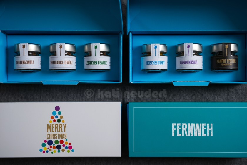 links: Christmas Box; rechts: Fernweh Box