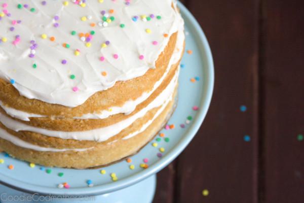 13 Vegan Birthday Cake Recipes + 1 Extra for Good Luck
