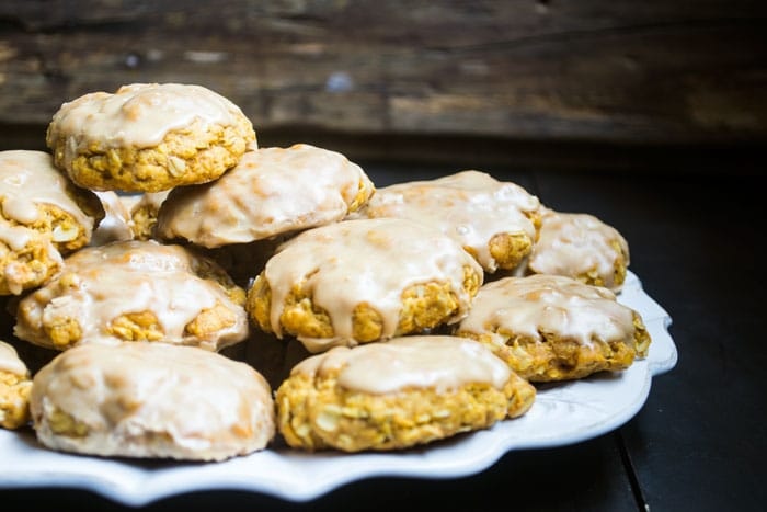 vegan-pumpkin-cookies-glazed