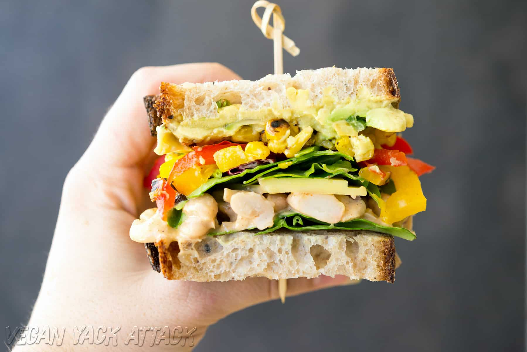 Chipotle White Bean Salad Sandwich - Super flavorful, #vegan and soy-free!