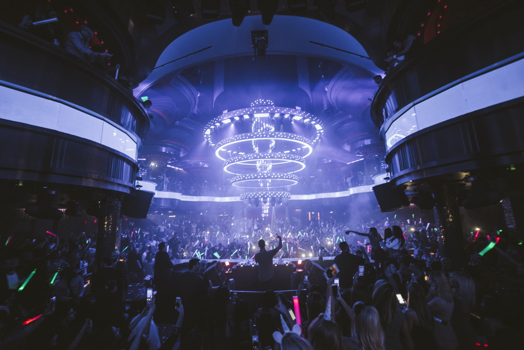Tivoli Village Bars Las Vegas Las Vegas Halloween 2016 At Omnia Nightclub Inside Caesars