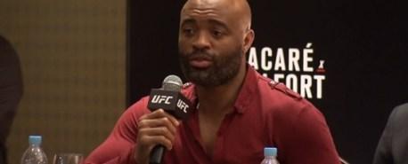 Com dores abdominais, Spider deixa luta contra Hall no card do UFC 198
