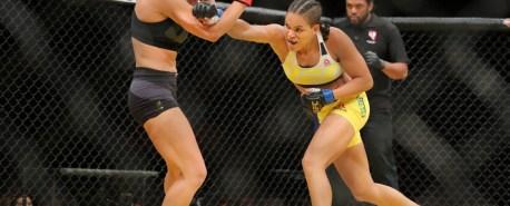 Combate exibe especiais de natal com o melhor do MMA