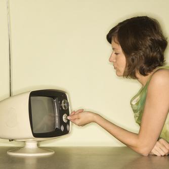 ss-girl-watching-tv