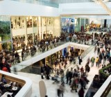 mall crowd
