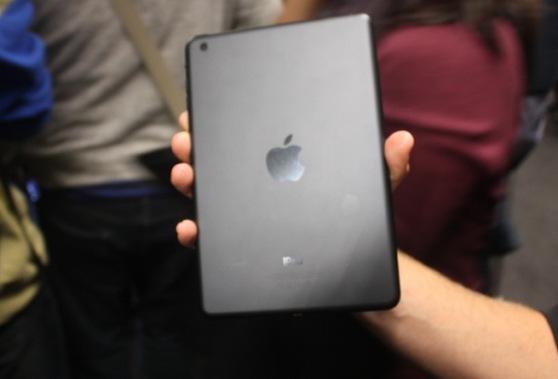 apple-ipad-mini-back