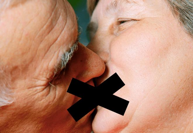 people-kissing