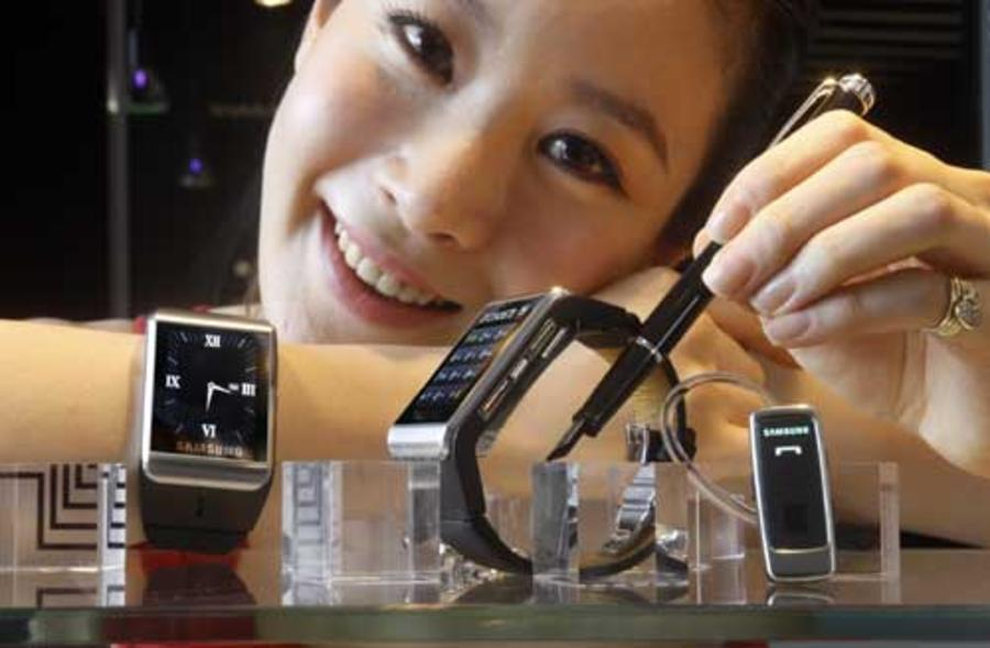 Samsung's early watch phone