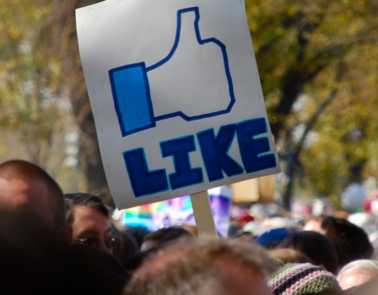 facebook like crowd