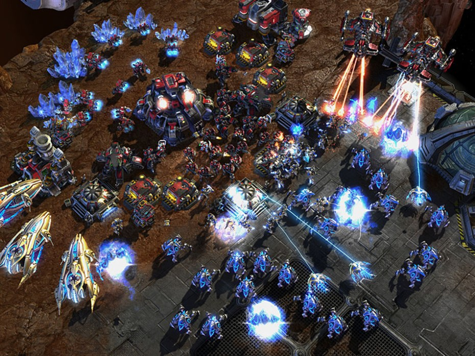 The chaotic action of StarCraft II may actually help your brain.