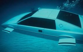 Esprit-submarine-car