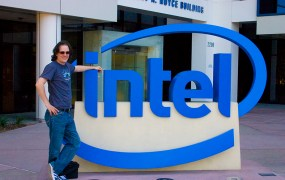 Intel logo sign Jim Gardner Flickr