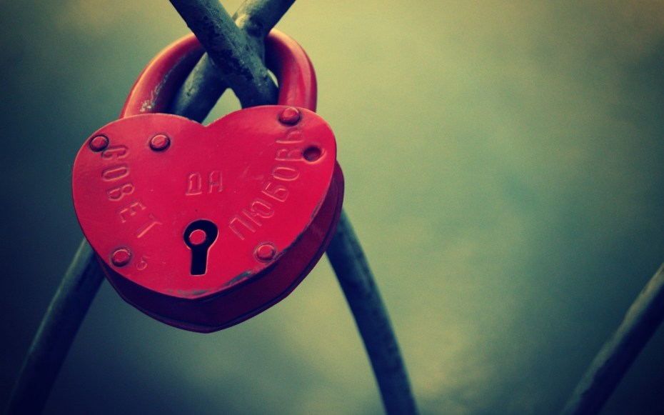 heart-shaped-lock-wallpapers_36025_1680x1050