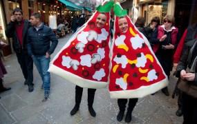 Pizza Girls in Venice Giorgio Minguzzi Flickr