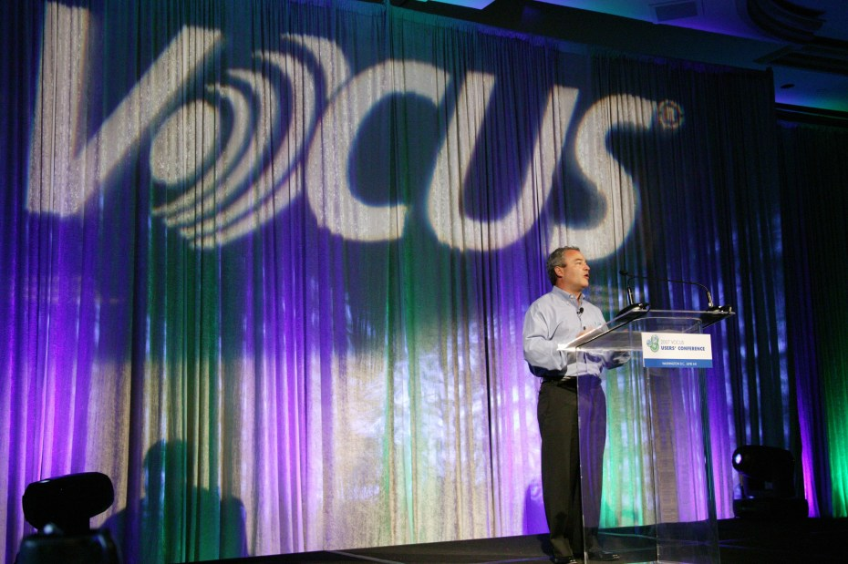 Vocus CEO Rick Rudman on stage.