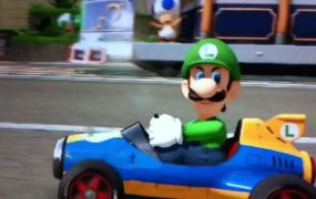 Luigi giving his menacing look to other racers in Mario Kart 8.