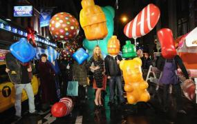 Model and actress Molly Sims helps promote Candy Crush Soda Saga.