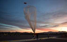 World View's test balloon, with its parafoil on top, that flew to a record height of 102,000 feet.