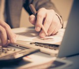 Analysis Nonwarit Shutterstock
