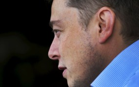 Tesla founder Elon Musk arrives for the the annual Allen and Co. media conference Sun Valley, Idaho July 7, 2015