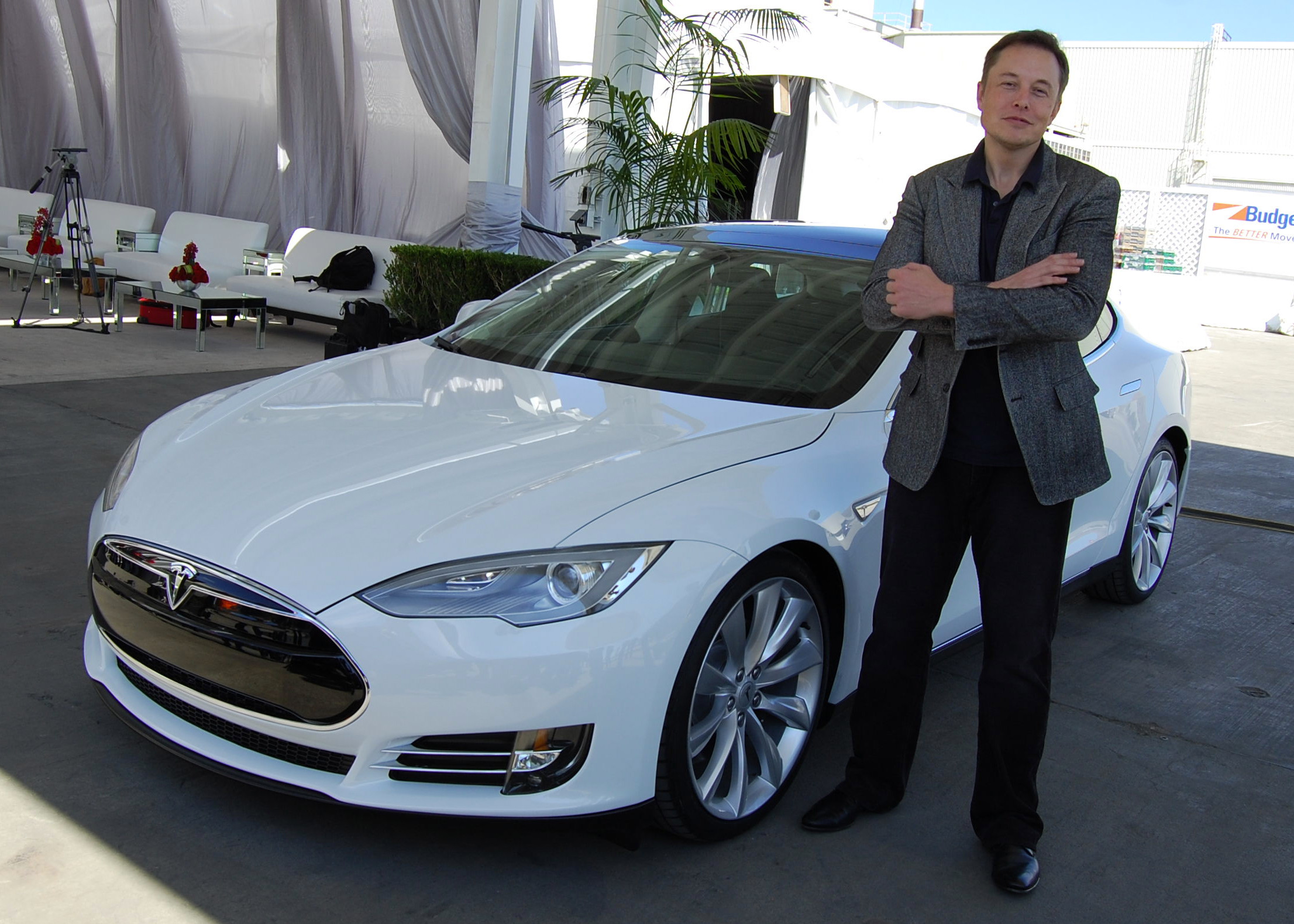 Musk Tesla The Elon Musk Tweets About Taking Tesla Private Shares Spike