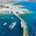 【ミコノス島×ドローン空撮】青いビーチと白い宝石のような街並みが美しい!