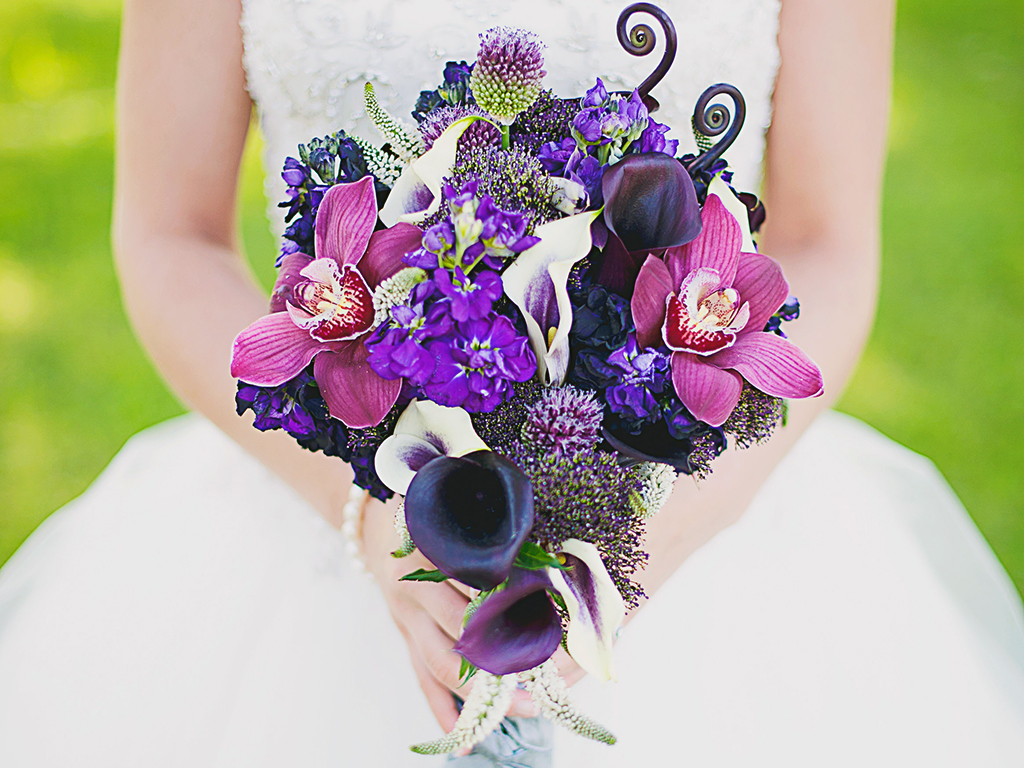 crop_wedding_bouquet