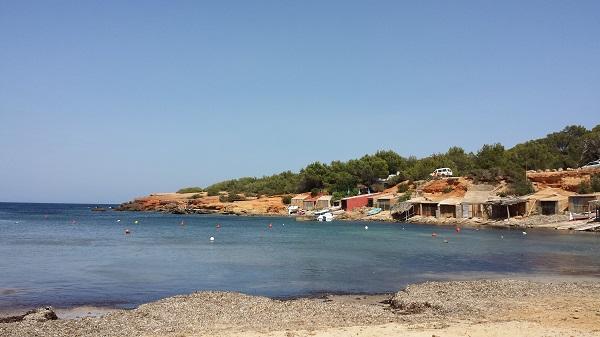 Op mijn favoriete strandje, tijdens mijn eerste vakantie op Ibiza...
