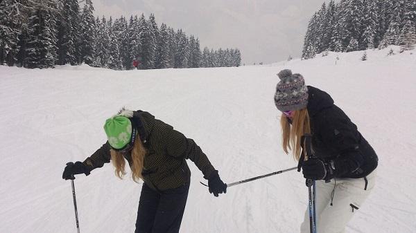 Onnozel doen in de sneeuw met Iris, Oostenrijk 2013