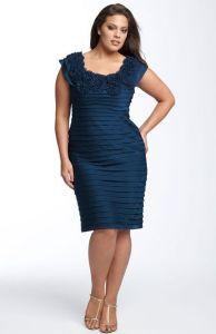 11 Modelos de vestidos de fiesta para mujeres gorditas y bajitas (2)