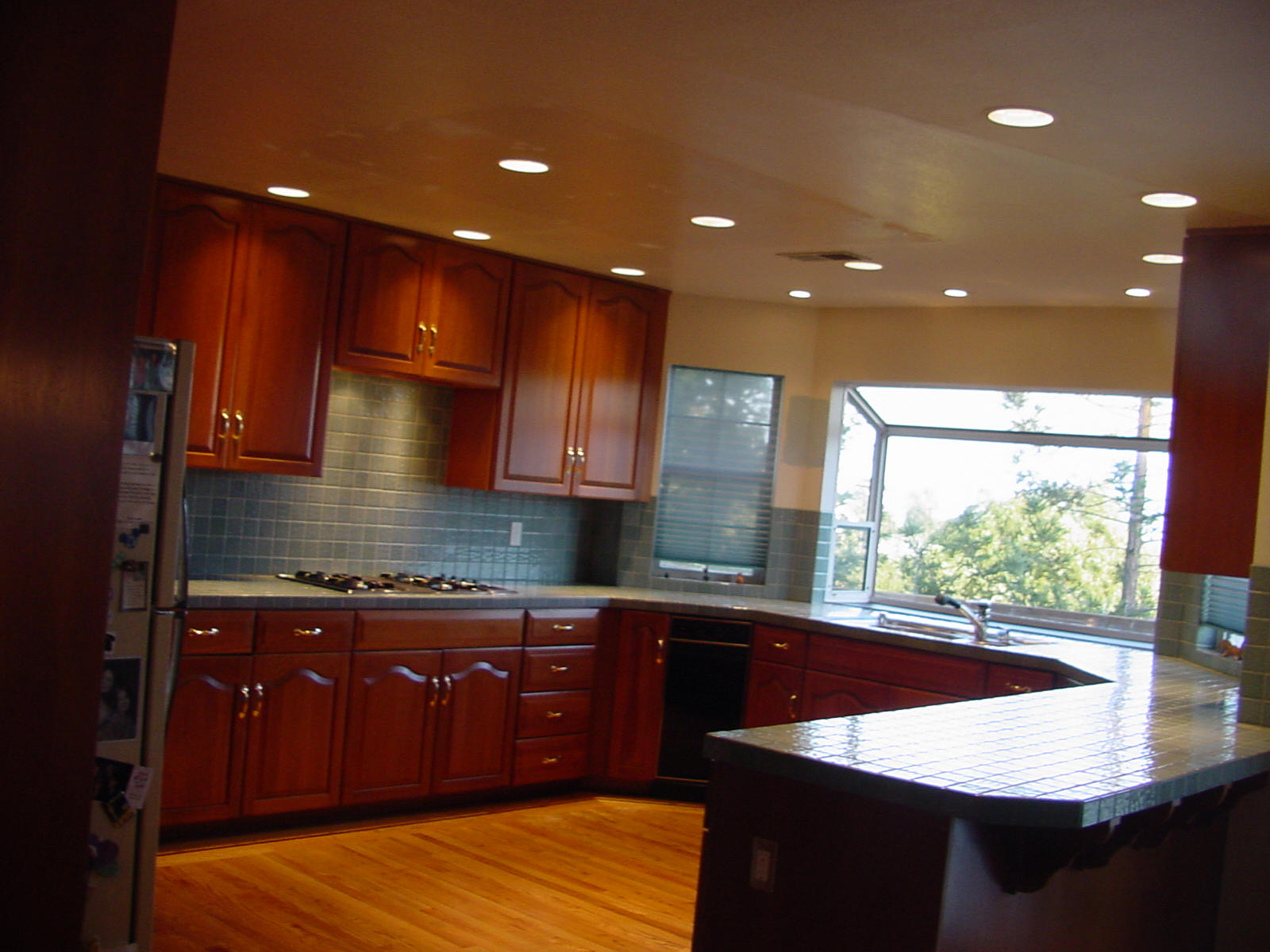 Fabulous Wooden Style Cabinets Kitchen Lighting Design Ideas Viahouse Com