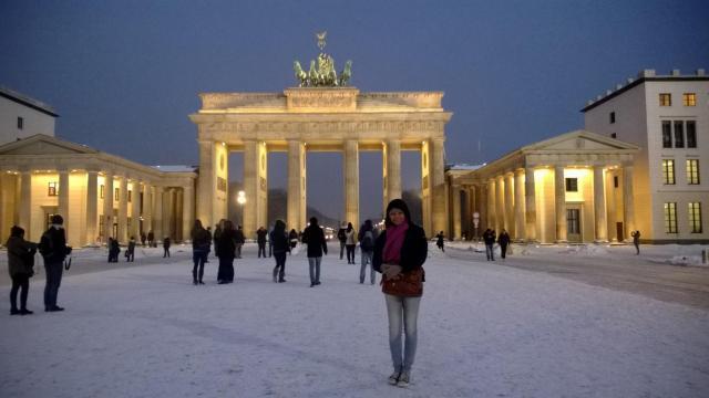 Viajando sozinha e tranquila - Viajando bem e barato pela Europa - Portão de Brandemburgo_Berlim