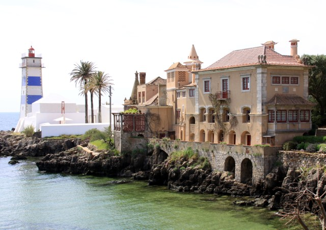 Lisboa_Cascais_Farol_Casa_Santa_Maria_Viajando bem e barato pela Europa