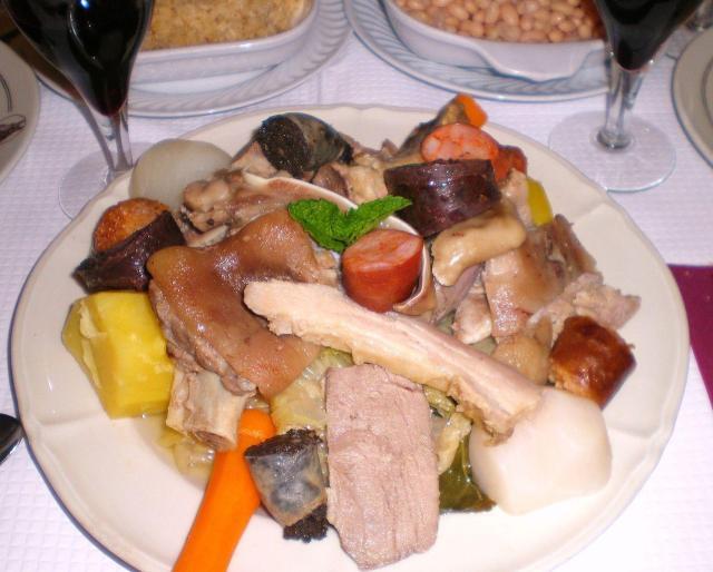 Gastronomia portuguesa_Cozido à Portuguesa_Viajando bem e barato