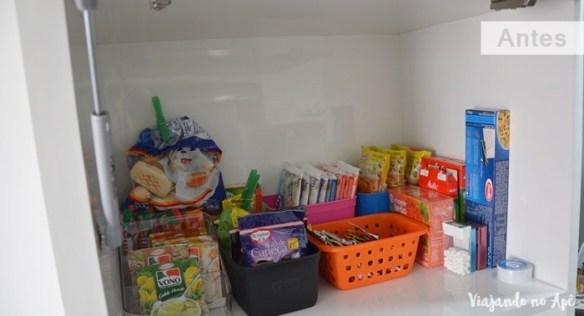 organizacao-armario-cozinha-despensa-antes