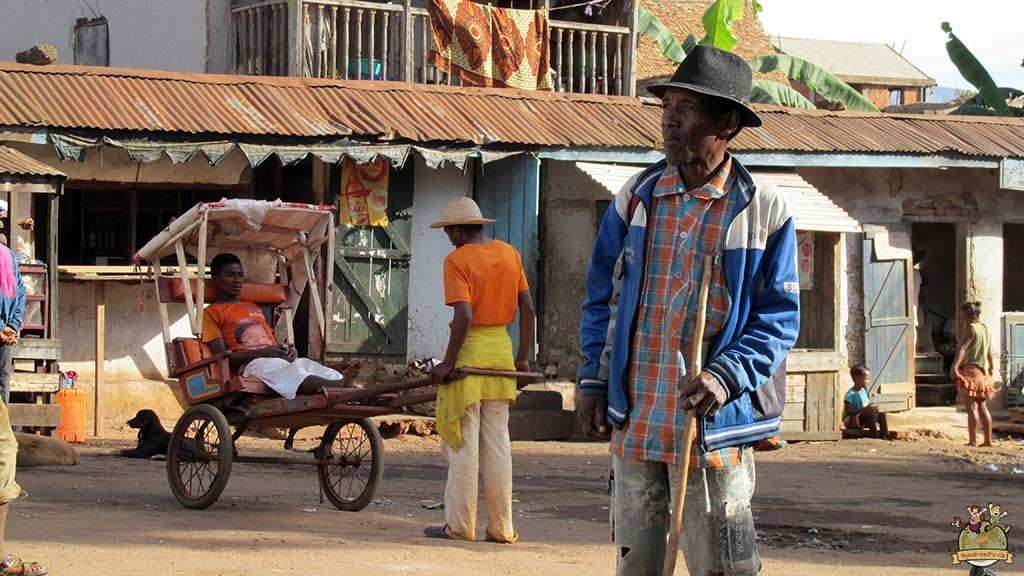 Ambalavao gare routiere. viajar a Madagascar