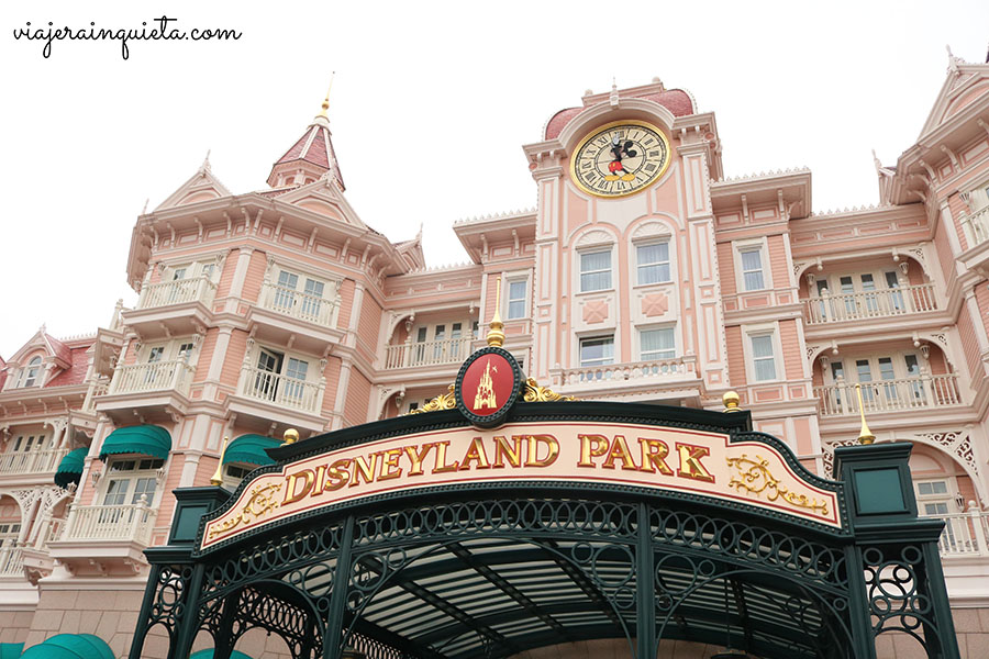 Park entrance disneyland paris